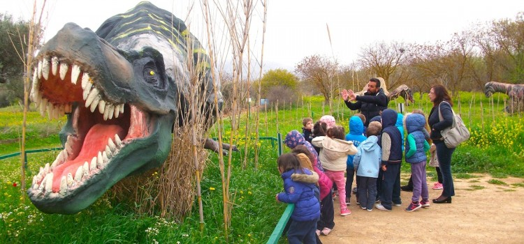 School trip to the Dinosaur Park in Keratea- and our introduction to paleontology!